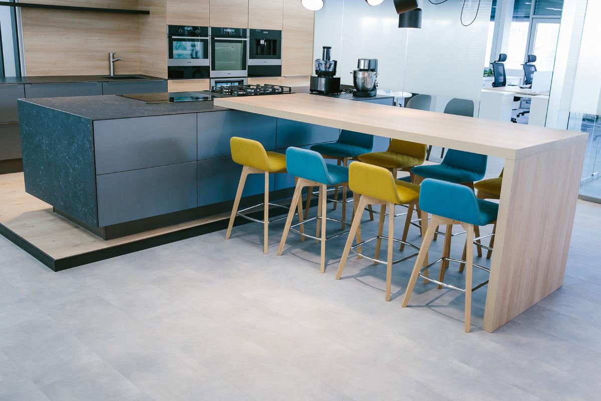 drevena-pracovna-doska-kuchynsky-stol.jpg