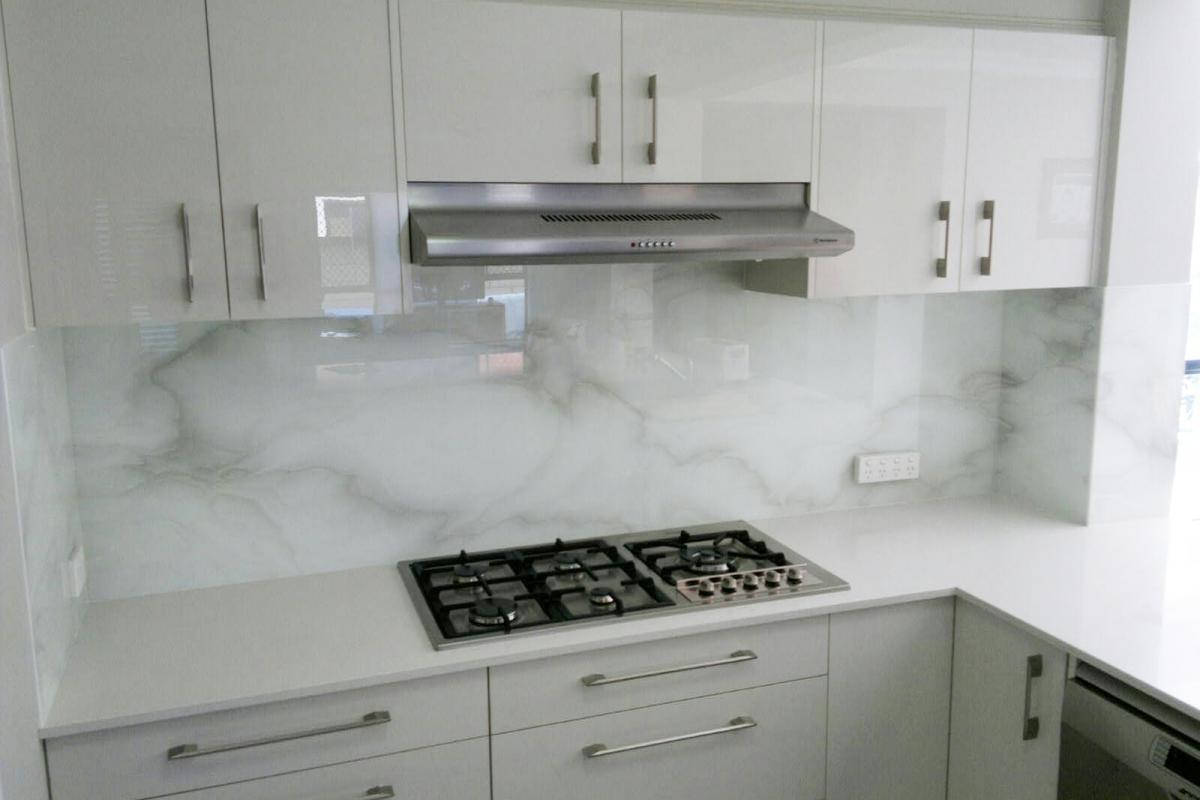 marble-zastena-sklo.jpg